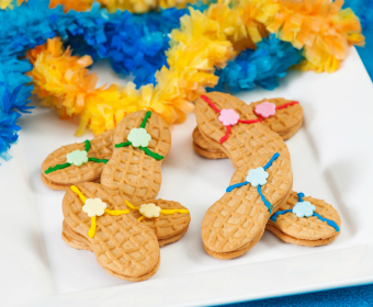 68bf1b25c991 Fun Flip-Flop Cookies. Quite possibly the easiest and cutest treat you can  bring to any spring or summer party!
